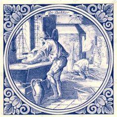 Dit is een delftsblauwe tegel met daarop een man die zijn handen wast.