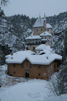 Santuario di San Romedio: San Romedio sotto la neve