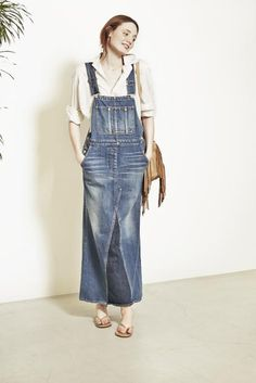shirt ¥27,000 over all ¥48,000 necklace ¥286,000 bag ¥43,000 sandals ¥8,800 Funky Fashion, Denim Fashion, Skirt Fashion, Fashion Dresses, Remake Clothes, Clothes Refashion, Diy Jeans, Love Jeans, Denim Overall Dress