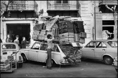 Sicily, Palermo, Italy 1971 by Henri Cartier-Bresson Dream Pictures, Old Pictures, Old Photos, Vintage Photos, Henri Cartier Bresson, Magnum Photos, Candid Photography, Street Photography, Photography Magazine