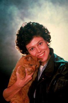 Aliens (1986) promo shoot Ripley and Jones