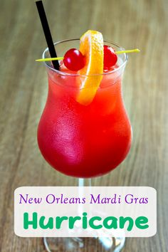 tropical drink Try this Mardi Gras Drink: New Orleans Hurricane Drink Recipe! It will transform transport you to the French Quarter! New Orleans Hurricane Drink Recipe! Holiday Drinks, Summer Drinks, Beach Drinks, Party Drinks, Mardi Gras Drinks, Mardi Gras Food, Carnival, Gastronomia, Recipes