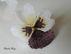 Pansy flower (brick stitch)