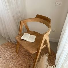Cafe Furniture, Wishbone Chair, Home Decor, Decoration Home, Room Decor, Home Interior Design, Home Decoration, Interior Design