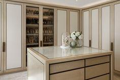 29 Luxury Walk-In Closet Designs Luxury Wardrobe, Diy Wardrobe, Luxury Closet, Wardrobe Ideas, Walking Closet, Walk In Closet Design, Closet Designs, Organizing Walk In Closet, Closet Organization