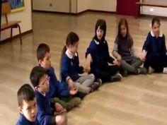 yoga stretches for kids Social Service Jobs, Social Services, Stretches For Kids, Yoga For Kids, Dancing Baby, Music School, Reggio Emilia, Primary School, Kindergarten