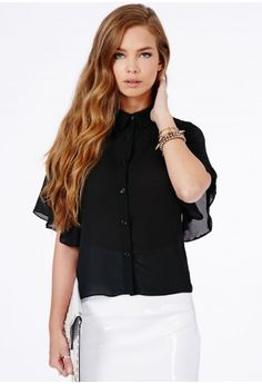 Missguided - Solita Blouse With Flute Sleeves In Black