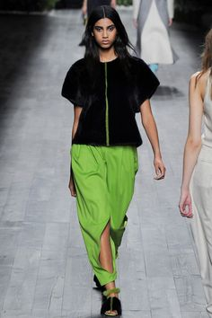 Imaan Hammam for Vionnet | Fall 2014 Ready-to-Wear Collection | Style.com