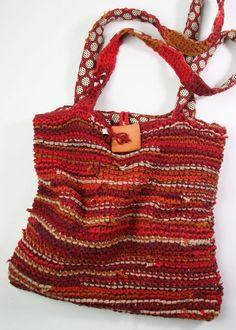 Upcycled T-Shirt Handbag : : Tutorial