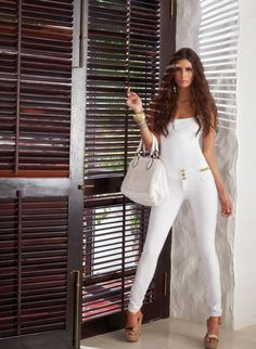 Studio F    18 Pulsera 099773 Bolso 099650 Calzado 082188 Blusa 201414 Jeans 047853