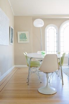 Ikea Gidea dining table White oval table with colorful chairs