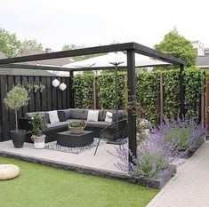 Amazing Modern Pergola Patio Ideas for Minimalist House. Many good homes of classical, modern, and minimalist designs add a modern pergola patio or canopy to beautify the home. In addition to the installa. Backyard Patio Designs, Small Backyard Landscaping, Diy Patio, Pergola Patio, Modern Pergola, Pergola Ideas, Backyard Ideas, Black Pergola, Terrace Ideas