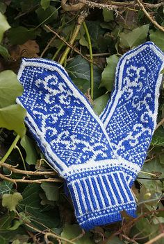 Ravelry: Plant Mittens - selbuvotter pattern by Eva Lyus Knit Mittens, Knitted Gloves, Fingerless Gloves, Fair Isle Knitting, Knitting Charts, Winter Accessories, Knitting Needles, Ravelry, Arm Warmers