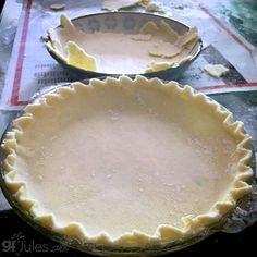 Gluten Free Pie Crust Recipe & Tips - from gfJules Patisserie Sans Gluten, Dessert Sans Gluten, Gluten Free Desserts, Gluten Free Recipes, Gf Recipes, Gluten Free Pie Crust, Pie Crust Recipes, Gluten Free Baking, Pie Crusts