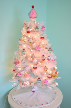 Cupcake table top tree, lighted