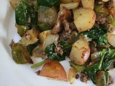 Breakfast Hash, Breakfast Potatoes, Breakfast Bites, Brunch Recipes, Breakfast Recipes, Corned Beef Hash, Spinach, Food And Drink, Cooking Recipes