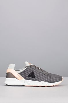 Runnings gris détail rose LCS R XVI W Speckled 95€