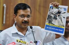 The Battle for Delhi: Slogans, Posters Add Punch Delhi Chief Minister Arvind Kejriwal released party manifesto for MCD elections in New Delhi, April 19. (Vijay Verma/PTI)    @Siliconeer #Siliconeer #IndiaElections #DelhiPolls #MCDPolls #BJP #AAP #CongressPartyofIndia –Witty slogans and colourful posters are adding a zing to Delhi's political atmosphere here ahead of the civic polls, where election campaigning have already raised http://siliconeer.com/current/the-battl