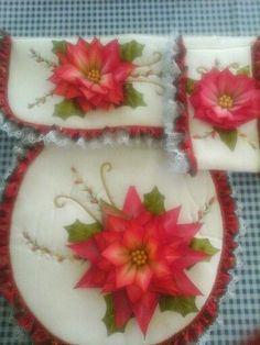 Christmas Bathroom Decor, Christmas Crafts, Christmas Decorations, Diy Cushion, Silk Ribbon Embroidery, Fabric Painting, Homemade Gifts, Diy And Crafts, Projects To Try