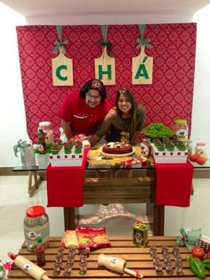 Com tábuas? hauahua boa ideia ;D  CHÁ DE PANELA. Chef Party, Bride Shower, Kitchen Shower, Flat Ideas, Pizza Party, Open House, Wedding Table, Party Themes, Diy And Crafts