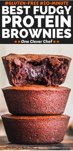 These bakery-style chocolate protein powder brownies are so good, you would never guess they are a protein snack. They are super fudgy, extremely tasty and their crunchy exterior is to die for. Protein Desserts, High Protein Snacks, Protein Dinner, Whey Protein Recipes, Protein Brownies, Protein Cake, Protein Powder Recipes, Protein Muffins, Protein Foods