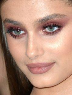 taylor hill at the met gala taylor hill met gala met gala 2017 red carpet makeup celeb celebrity celebritycloseup