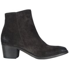 Men's fashion, Menswear, #boots, #shoes: Lagerfeld, Varvatos, Quilici, Rick Owens, Belstaff, Galliano, Zegna, Gaultier, Peuterey, Burberry Prorsum, Vogue, Prada, Dolce and Gabbana, Porus,