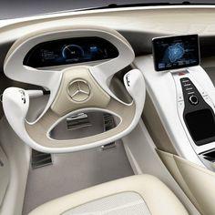 Mercedes-Benz F800 - steering wheel design just turned a big corner!