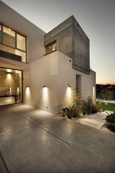 Casa Manduka by Sergio Suárez Marchena