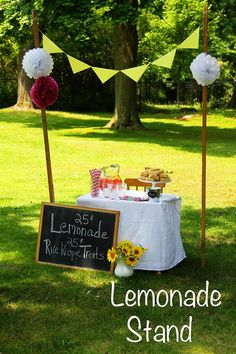such an easy but mega-cute lemonade stand for the kiddos! ~ love of home Not too late to make the kids a lemonade stand! Summer Activities For Kids, Summer Kids, Kids Lemonade Stands, Stand Feria, Cafe Concept, Exercise For Kids, Summer Parties, Bake Sale, Making Ideas