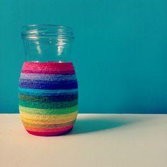 Reciclando frascos de vidrios y restos de lanas! <3
