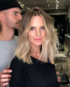 Work... #SandyBlonde on @DianaHare01 HairCut... @RaulAlvarez_ #JeanPierreColorist #PerfectHair #PerfectBlonde #blonde #LOB #texturedbob #shorthair #hair #beachhair #beachwaves #colorcorrection #sunkissedblonde #sunkissedhair #ombre #sombre #haircolor #hairgoals #maneaddicts #redken #uberliss #levels