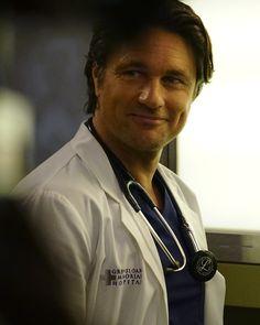 Greys Anatomy Men, Grey's Anatomy, Martin Henderson, Greys Anatomy Episodes, Sarah Drew, Channel, Movie Stars, Celebs, Celebrities