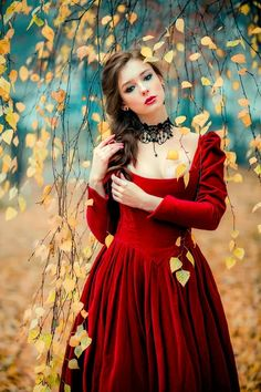 Transform Your Looks With This Advice Photography Poses Women, Fantasy Photography, Most Beautiful Faces, Beautiful Girl Image, Romantic Girl, Garden Dress, Stylish Girl, Belle Photo, Girl Photos