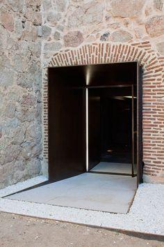 Galería de Rehabilitación del Castillo de la Coracera / Riaño+ arquitectos - 14