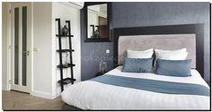 Moderne zwarte spiegel in slaapkamer http://www.barokspiegel.com/zwarte-barok-spiegels/zwarte-spiegel-modern-enzo