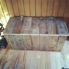 Natural Rustic Reclaimed Wood Storage Bench - we need a shoe storage bench. It would be cool to make one similar to this, maybe with an upholstered top.
