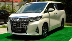 If you are looking for the fully equipped and standard Toyota Alphard, must consider the services of Vine Place in this regard. Toyota Alphard, Used Cars, Nissan, Things To Come