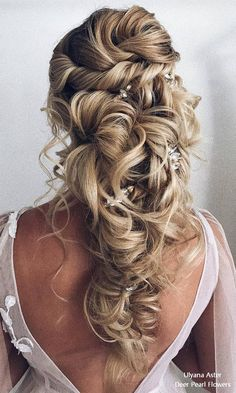 Trends Wedding Hairstyles : Ulyana Aster Long Bridal Hairstyles for Wedding # Boho Hairstyles, Formal Hairstyles, Vintage Hairstyles, Wedding Hairstyles, Elegant Wedding Hair, Wedding Hair Down, Wedding Hair And Makeup, Pelo Formal, Long Bridal Hair