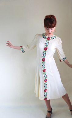 Your place to buy and sell all things handmade Second Hand Shop, 1930s Dress, Vintage Outfits, Vintage Clothing, Floral Embroidery, Day Dresses, Retro Fashion, Retro Vintage, Cold Shoulder Dress