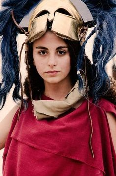 Classical Greece and Ancient Greek Warfare - Bringing the Armor of a Hoplite to Life Spartan Women, Greek Warrior, Woman Warrior, Classical Greece, Ancient Armor, Historical Pictures, Greek Gods, Ancient Greece, Ancient History