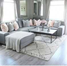 New living room grey couch sectional Ideas Rugs In Living Room, Interior Design Living Room, Home And Living, Living Room Decor Grey Couch, Living Room Ideas Grey And White, Cozy Living, Interior Livingroom, Room Rugs, Coffee Table Grey Living Room