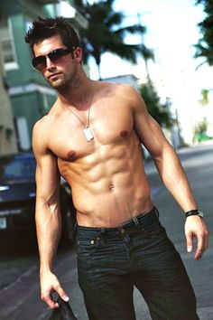Is it just me or are there so many guys with bodies like this but not a single guy around me is like this????