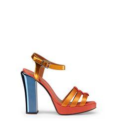 FENDI - CHAMELEON PLATFORM SANDAL Sandales Talons Femme, Les Talons Des  Femmes, Chaussures Chères d079e013575