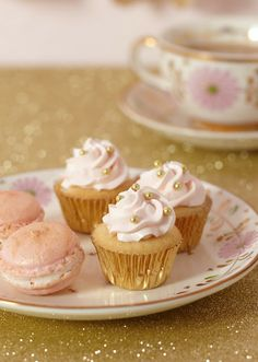 Cakewalk Baking: Pink + Gold + Glittery all over ~ the sweets