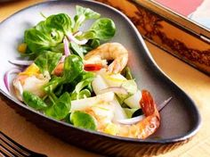 Salade van witte asperges met veldsla en scampi's (Libelle Lekker!)