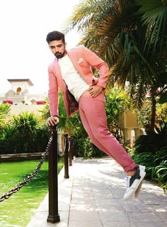 Saqib Saleem Saqib Saleem, Yash Raj Films, Suit Fashion, Womens Fashion, Bollywood Actors, Well Dressed, Gq, Editorial Fashion, Desi
