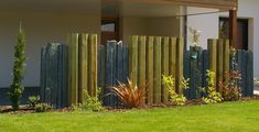 Brise-vue bois et schiste COURIC Paysage Tregunc Dream Garden, Garden Art, Wind Break, Garden Screening, Garden Entrance, Privacy Fences, Ponds Backyard, Garden Edging, Fence Gate