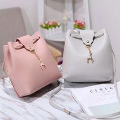 Travel Handbags, Purses And Handbags, Leather Handbags, Luxury Handbags, Sacs Design, Tote Bags, Women's Bags, Girl Backpacks, Mini Crossbody Bag