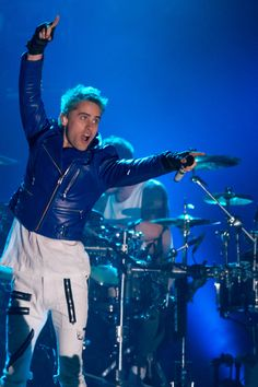 Jared Leto rocks with 30 Seconds to Mars-not a band I particularly like but Jared is hot